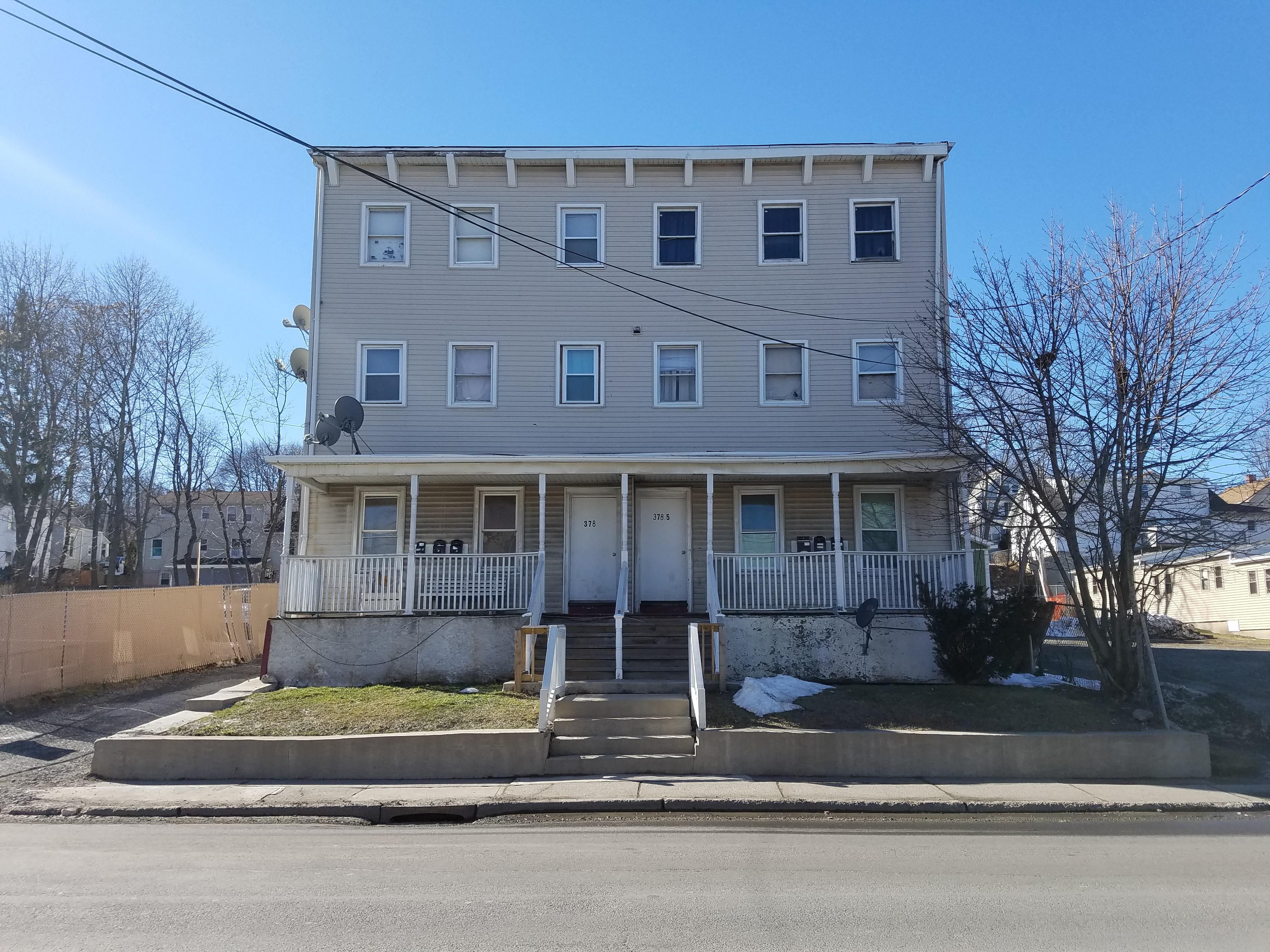 3 Bedroom Apt In Middletown Colonial Property Management